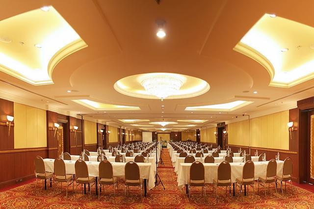 at Prince Palace Hotel Mahanak