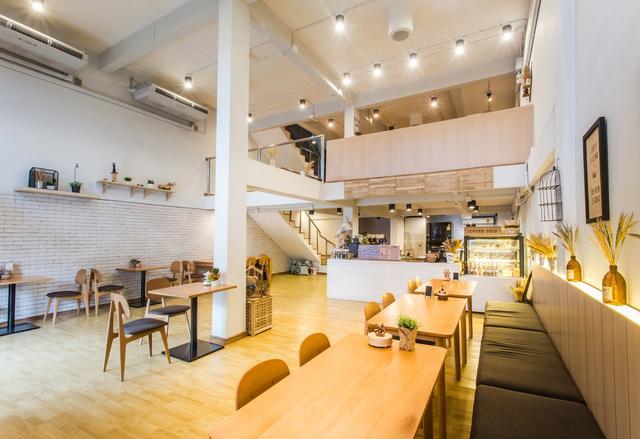 ROUND ABOUNT Cafe