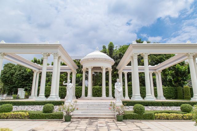 The Roman Garden (สวนโรมัน)
