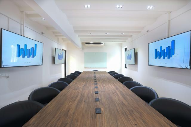 Meeting Room/Workshop