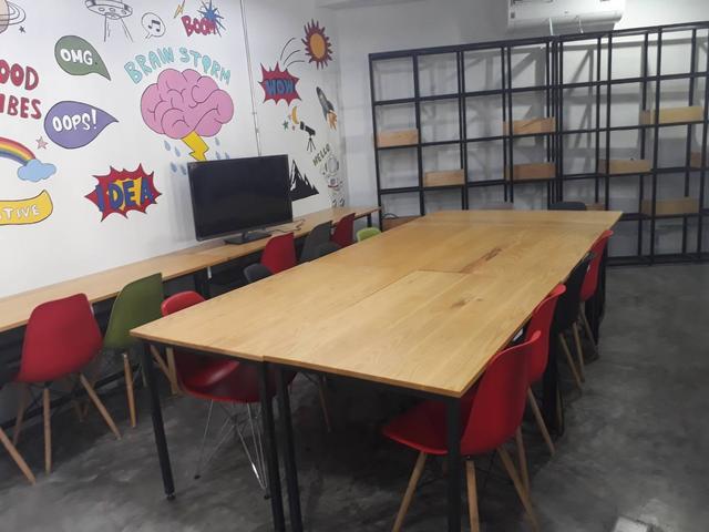 Seatz Meeting Room2