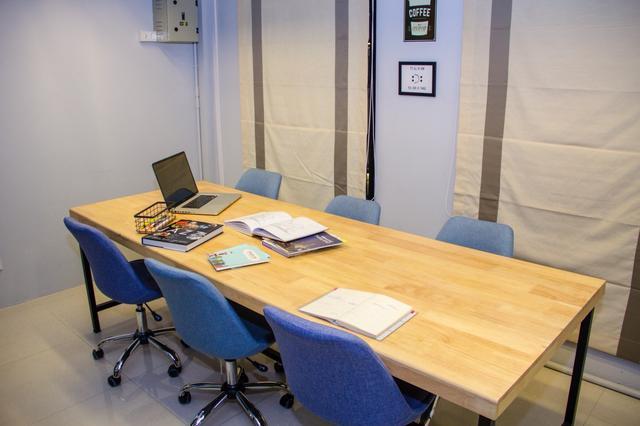 Meeting Room | Tha Maharaj