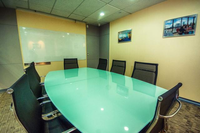 at Linuxx Serviced Office - Serm-Mit Tower 17FL ( Meeting Room)