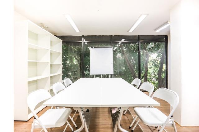 The Meeting room2 @BTSAri(4-12pax)