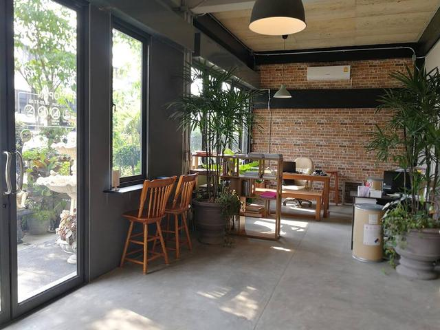 Mini english garden cafe