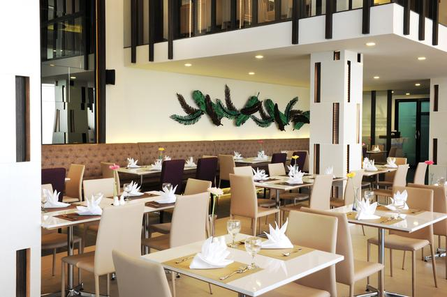 ห้องอาหาร 3-4-5 คาเฟ่ (3-4-5 Café)