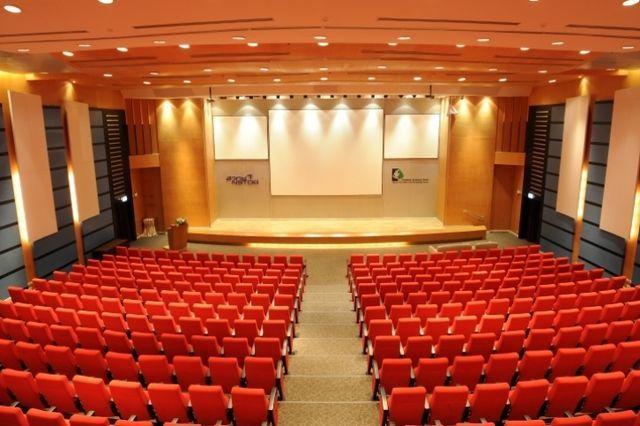 1555562482-auditorium.jpg