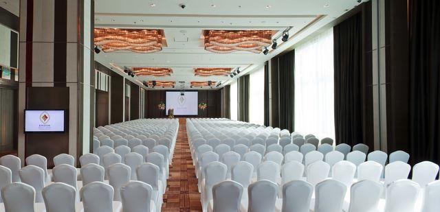 1556600082-Surasak Ballroom (2).jpg
