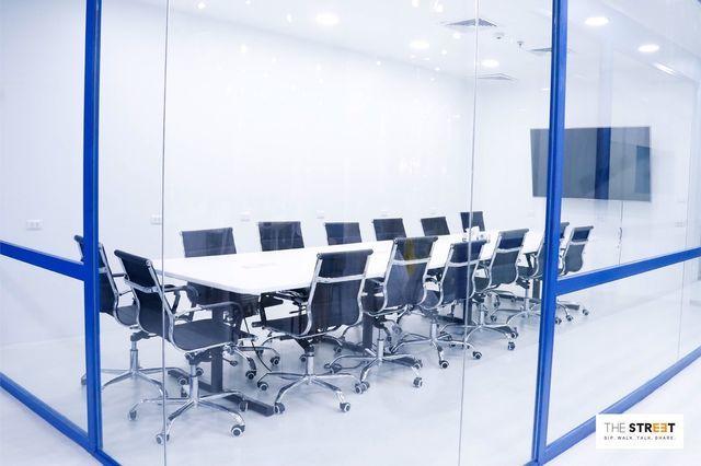Meeting Room (16 - 20 คน)