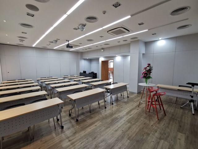 Max Academy (Room M : Motivation)