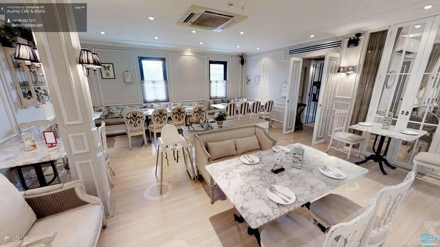 Audrey Cafe Thong Lor 11 - B1