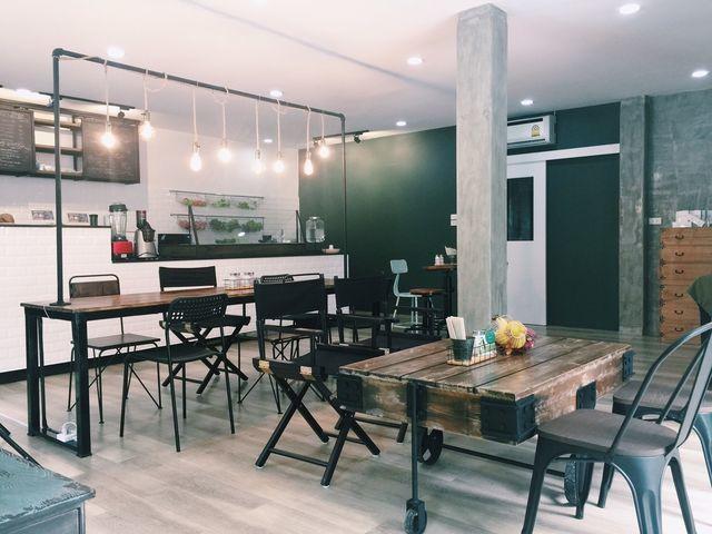 Zozeen Eatiibeautii Cafe