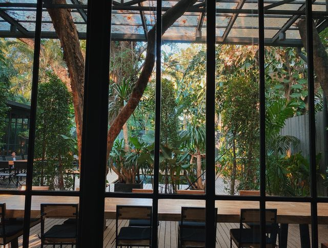 19 Yenakart - Glass house & Communal table