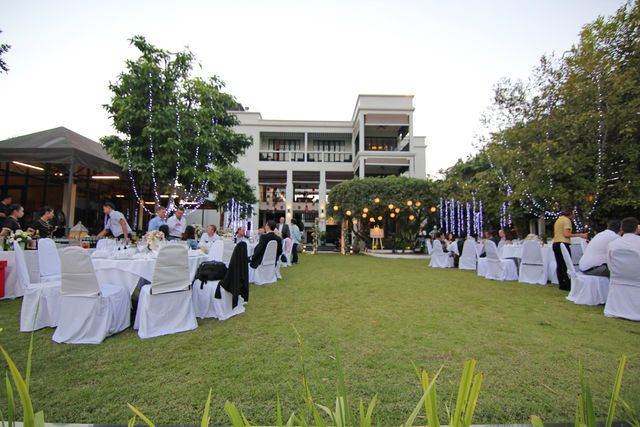 Outdoor space for 100 people