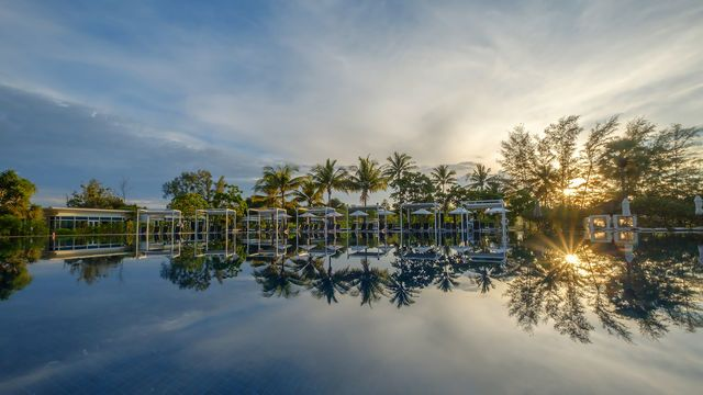 1582713161-Splash Beach Resort_Morning Pool II.png