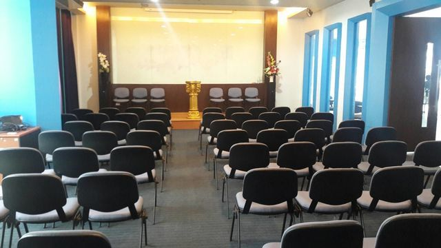 Large Meeting room (70 people)