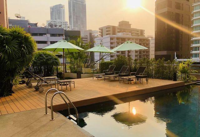 Rooftop - Poolside