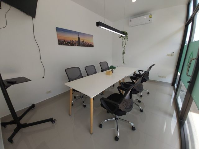 Meeting room - BEYT Cafe and Workspace