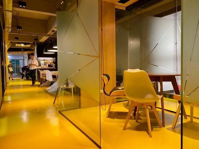 M Meeting Room